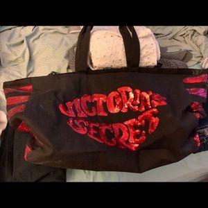 Victoria's Secret lip sequin tote